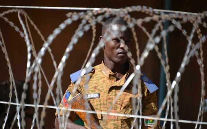বুরকিনা ফাসোতে  বন্দুকধারীদের  হামলা, ৩৭ খনি শ্রমিক নিহত